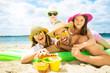 canvas print picture - urlaub am strand mit kindern