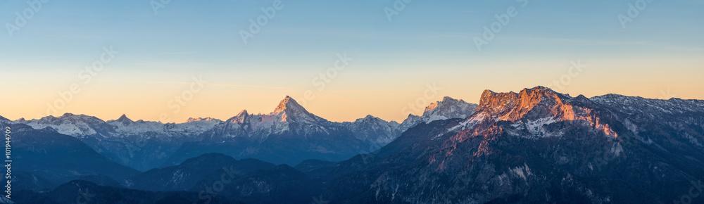 Fototapety, obrazy: Sonnenaufgang in den Alpen mit Watzmann