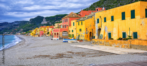 Photographie  Colorful fisherman's houses on italian Riviera in Varigotti, Lig
