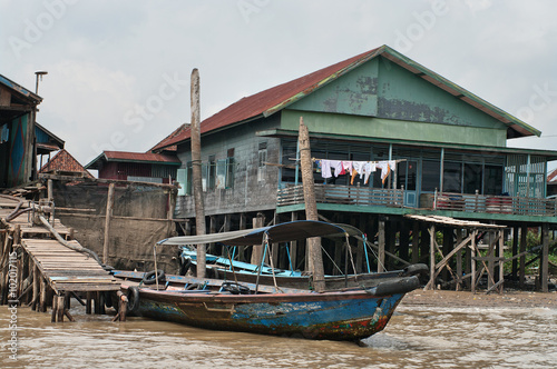Foto op Plexiglas Indonesië wooden house on piles in Palembang, Sumatra, Indonesia.