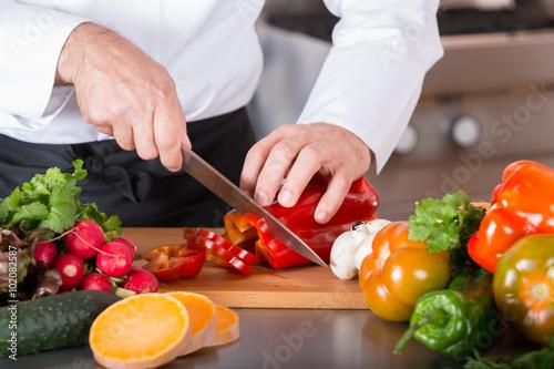 Plakat Szef kuchni sieka warzywa