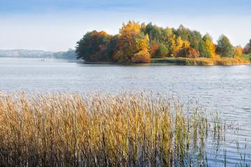 Fototapeta Do hotelu Lake Elk in autumn. Masuria, Elk, Poland.