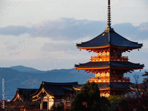 Papiers peints Kyoto Kiyomizu-dera temple in Kyoto, Japan