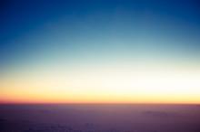 飛行機から見た朝焼け...
