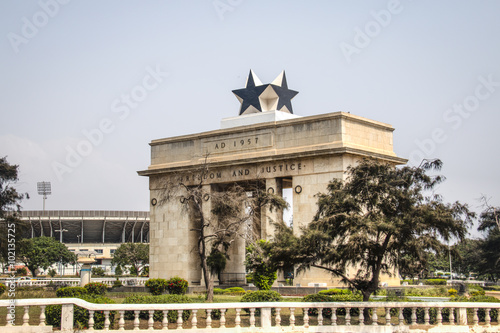 Photo Black star arch in Accra, Ghana.