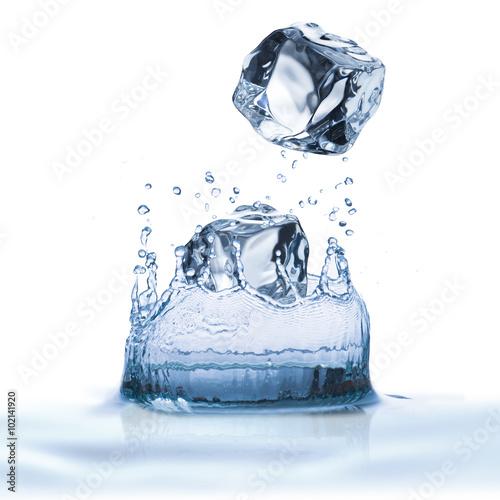 Papiers peints Eau Water Splash with Ice Cubes On White Background