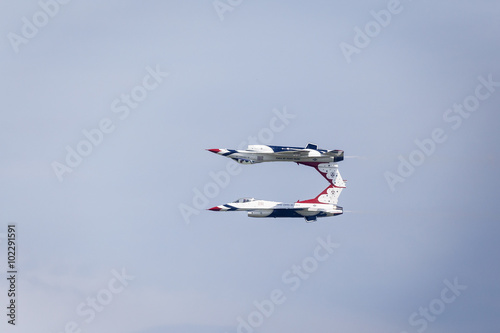 USAF Thunderbirds aerobatics team doing the Calypso Pass Wallpaper Mural