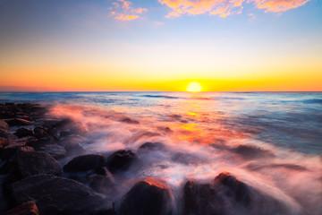 Panel Szklany Podświetlane Eko Sunset scenic over tropical beach.