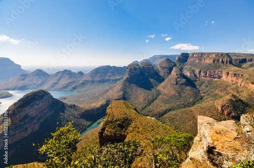 "Foto op Canvas Zuid Afrika Blyde River Canyon und ""Three Rondavels""; Südafrika"