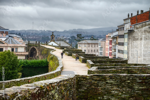 Paseo invernal por la muralla de Lugo