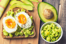 Toast With Avocado And Egg