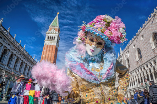 In de dag Carnaval Carnival mask against bell tower on San Marco square in Venice