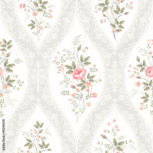 kwiatowy-wzor-z-koronki-i-kwiatowy-bukiet