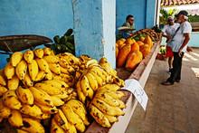 Cuba, Sancti Spíritus, Official Agro-Market