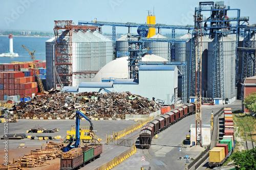 Foto op Plexiglas Grain dryer, train and scrap metal in the port of Odessa, Ukraine