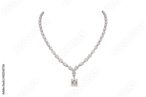 Gorgeous Emerald and Teardrop Cut Diamond Necklace Fototapete