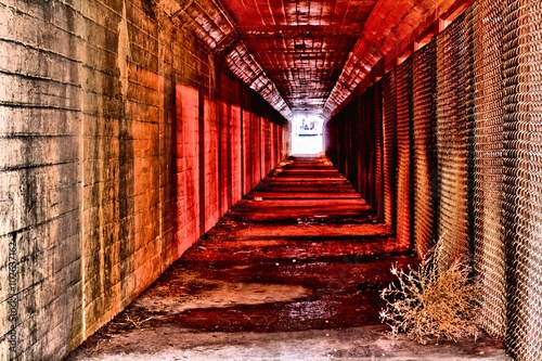 Papiers peints Tunnel red tunnel