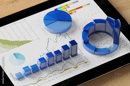 Fotografía  Auswertung von Diagramm auf Tablet Computer