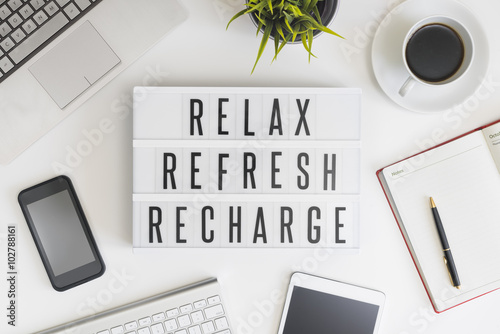 Deurstickers Ontspanning Relax, refresh and recharge in office