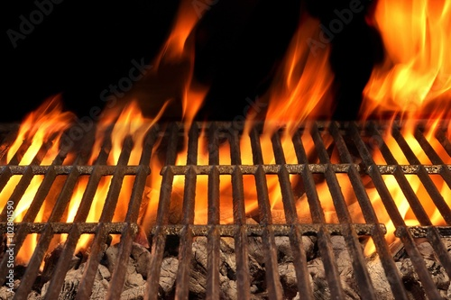 Recess Fitting Grill / Barbecue Empty Barbecue Fire Grill And Burning Charcoal With Bright Flame