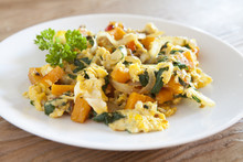 Scrambled Eggs With Kale And S...