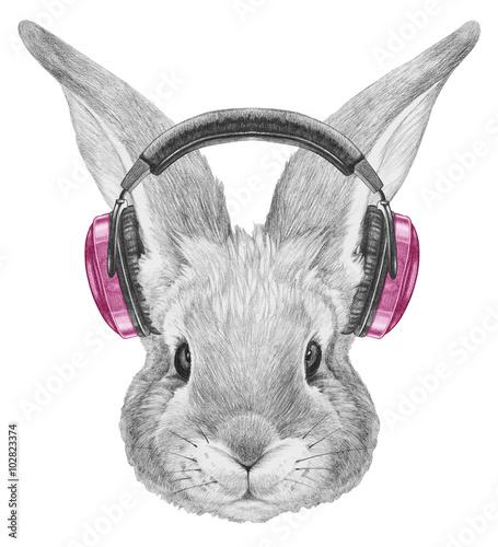 Portret królika ze słuchawkami. Ręcznie rysowane ilustracji.