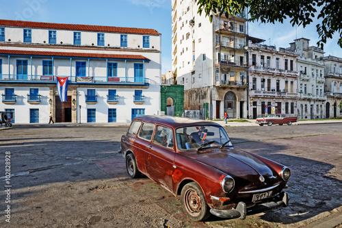 Cuba; La Habana Vieja, Old Cars Billede på lærred