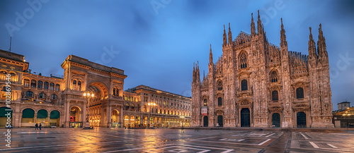 Photo sur Aluminium Milan Milan, Italy: Piazza del Duomo, Cathedral Square
