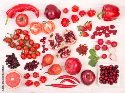 Poster Cuisine Red fruit and vegetables