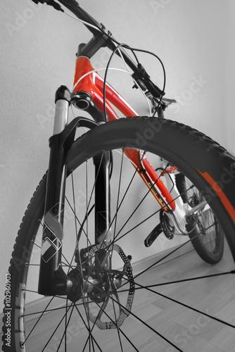 Keuken foto achterwand Retro front wheel mountain bike Bottom