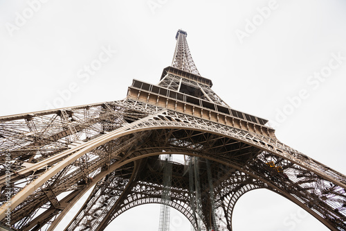 Fototapeta The Eiffel Tower in Paris, France obraz na płótnie