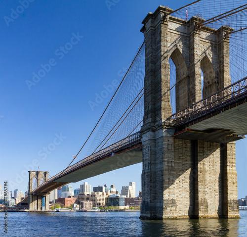 Naklejka premium Most Brookliński widziany z Manhattanu w Nowym Jorku