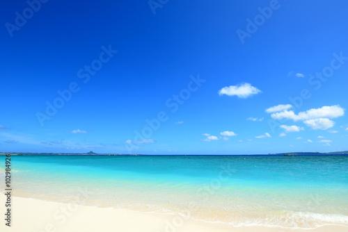 Recess Fitting Beach 沖縄の美しい海と爽やかな空