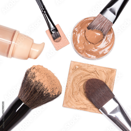Fotografía  Makeup products to even out skin tone and complexion