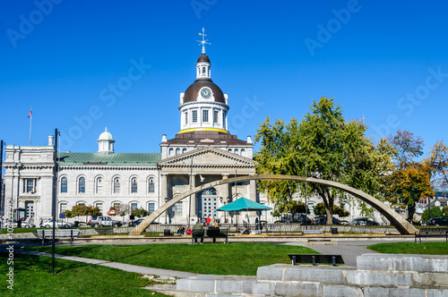 Fotografie, Obraz  city Hall of Kingston and Confederation arch fountain