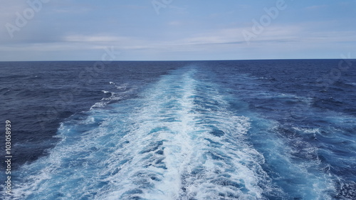 Fotografie, Obraz  Cruise ship wake 2