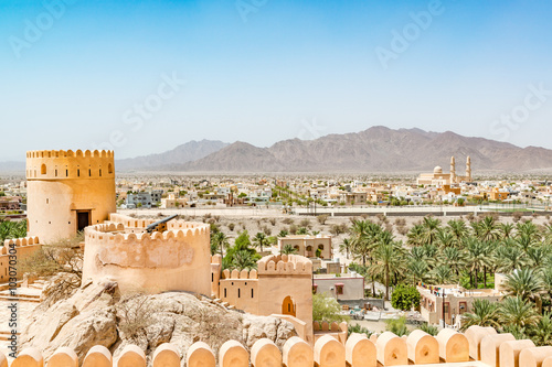 Poster Moyen-Orient Nakhal Fort in Al Batinah Region of Oman. It is located about 120 km to the west of Muscat. Nakhal town is known as the town of oasis.