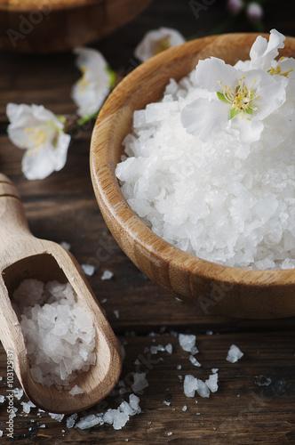Obraz na plátně  SPA treatment with salt, almond and candles
