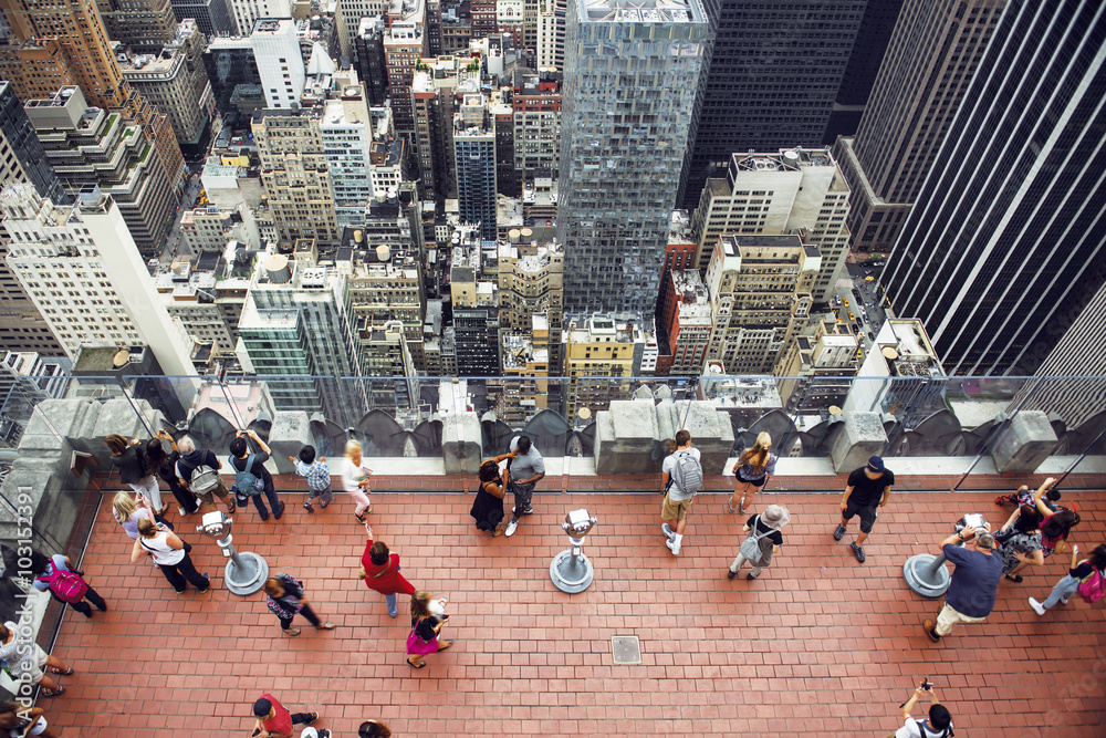 Fototapety, obrazy: Tourist people taking pictures from rooftop on Manhattan skyscraper