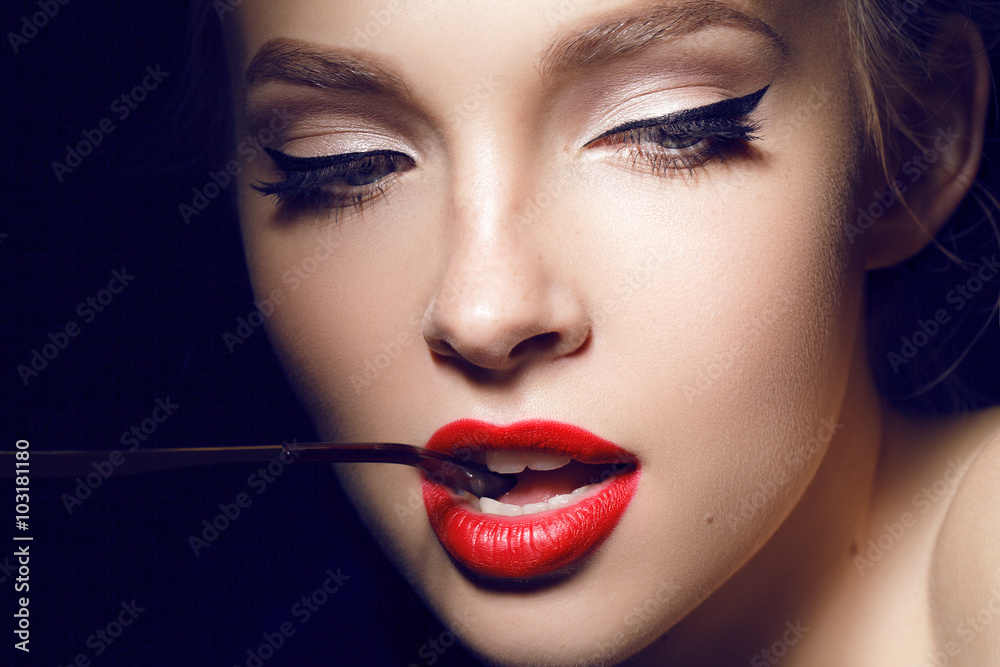 Valokuva  beautiful girl with red lips and hollywood make up