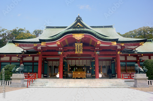 La pose en embrasure Edifice religieux 西宮えびす神社