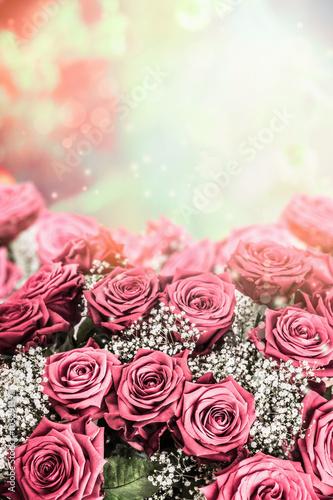 piekne-roze-tlo-obramowanie-kwiatowe