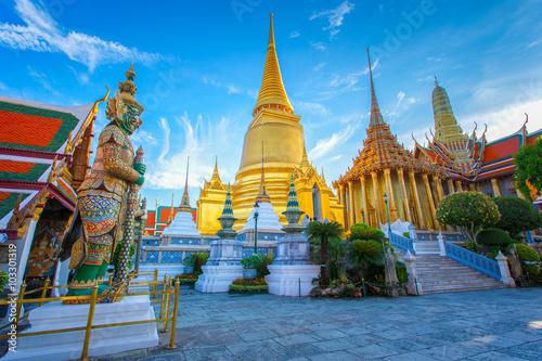 Poster Bangkok Wat Phra Kaew, Temple of the Emerald Buddha, Bangkok, Thailand.