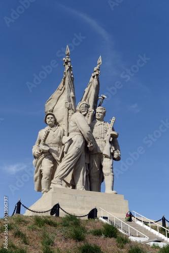 Poster Artistiek mon. The monument to the