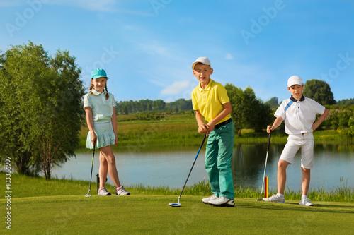 Poster Golf Kids playing golf