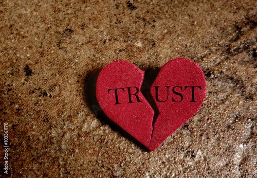 Fotografie, Obraz  Broken trust heart