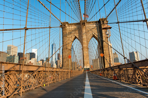 Foto op Canvas Brooklyn Bridge Brooklyn Bridge Pedestrian Walkway at Sunset