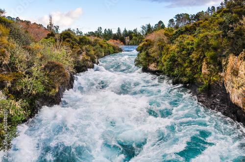 Küchenrückwand aus Glas mit Foto Wasserfalle Wild waters of Huka Falls, New Zealand