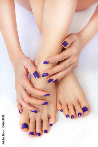 Foto op Plexiglas Pedicure purple manicure and pedicure