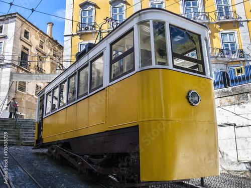 Fotografie, Obraz  Standseilbahn Ascensor da Glória in Lissabon